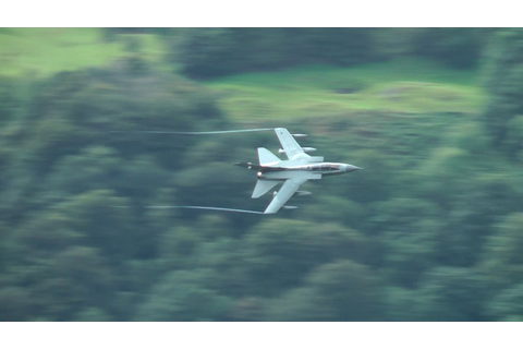 Low level in the Lakes; GR4 Tornado 'Rebel88' Grasmere 01 ...