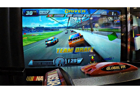 Nascar Team Racing Arcade Game! ゲームセンター レースゲーム - YouTube