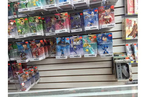 30$ for a Megaman Amiibo. I walked over to that giant toy ...