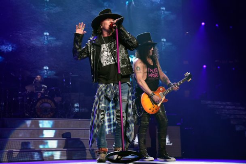 "Guns N' Roses Play ""Shadow Of Your Love"" For The First ..."