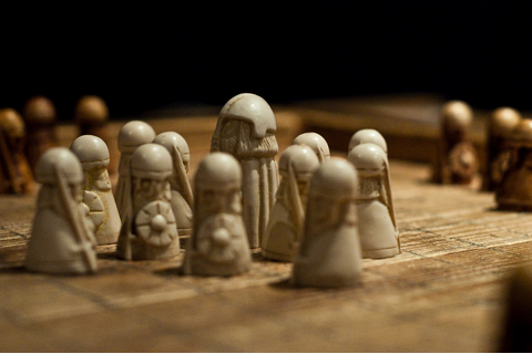 The Early Medieval Chess Of The Norsemen - Hnefatafl