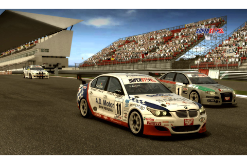 Superstars V8 Racing - Games.cz