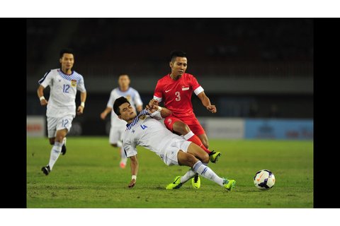 27th SEA Games (Football) - Singapore vs Laos - YouTube