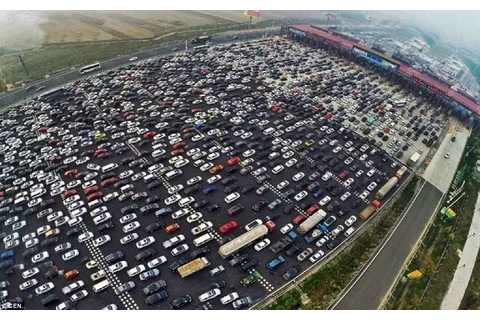 China's 50-Lane Traffic Jam Is Every Commuter's Worst ...