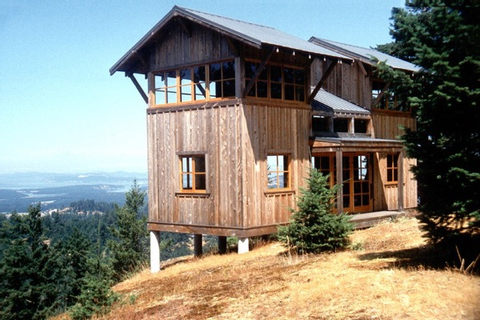 672 Sq. Ft. Two-Story Tower Cabin