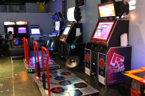 Fun, family friendly, afforable arcade/video game lounge ...