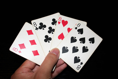 Crazy Eights - Wikipedia