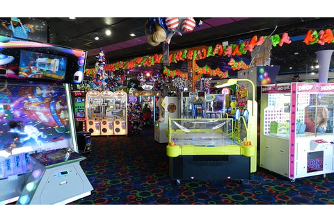 The Arcade Floor - Picture of Big Top Arcade, Pigeon Forge ...