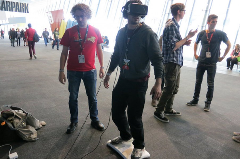 Weirdness: This Back To The Future-Style VR Hoverboard ...