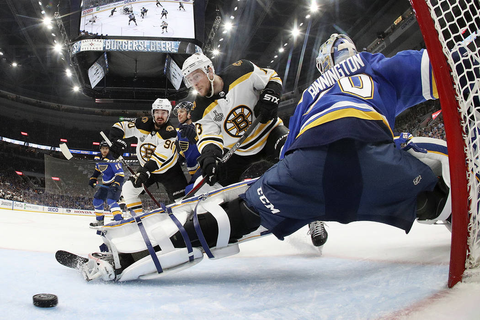 Blues top Bruins in Game 4, even Stanley Cup Final at 2-2 ...