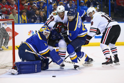 Andrew Ladd Photos Photos - Chicago Blackhawks v St Louis ...