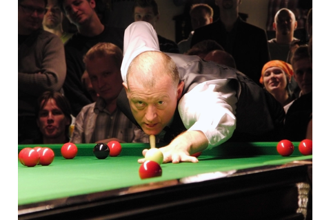 Steve Davis | Snooker World Champion Steve Davis playing a ...