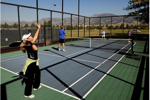 What are they playing? Platform, Paddle, Padel – COURTGIRL