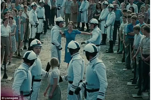 The Hunger Games trailer: Jennifer Lawrence snaps into ...