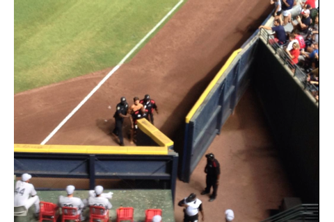 Streaker at Braves & Athletics Game (Pics)