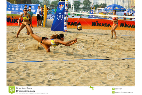Woman Player Save In Beach Volleyball Game Editorial ...