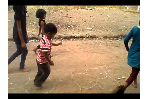 INDIAN KIDS PLAYING LOCAL GAME MAHARASHTRA - YouTube