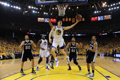 GOLDEN STATE WARRIORS Nba Basketball players in action ...