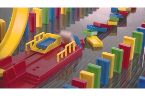 Smyths Toys - Domino Express Game - YouTube