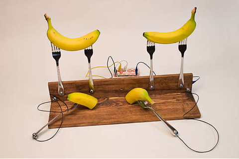 Fruit-Incorporated Game Controllers : Banana games