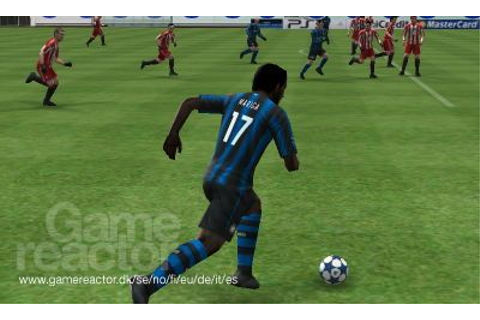 Pro Evolution Soccer 2011 3D Recension - Gamereactor