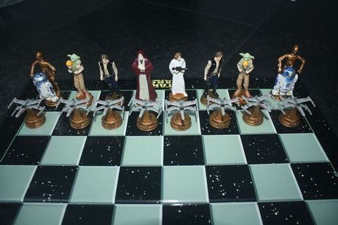 Star Wars - 3d chess game - official Star Wars chess set ...